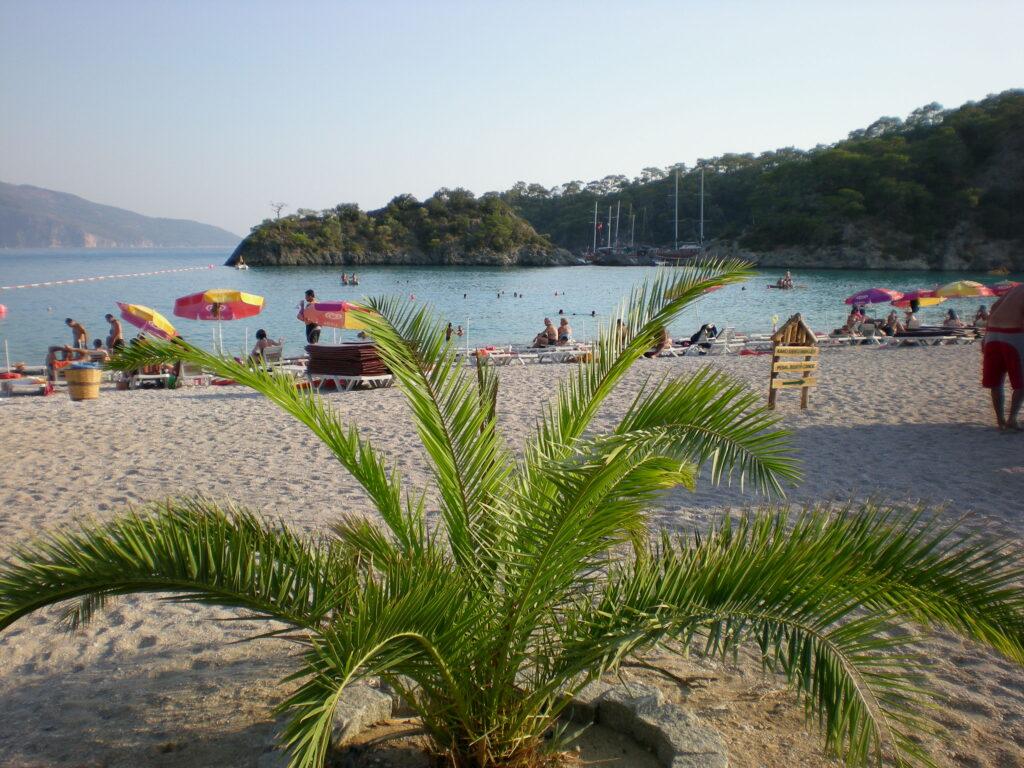 Kumburnu Plajı, Kumburnu Tabiat Parkı içerisinde yer alıyor...