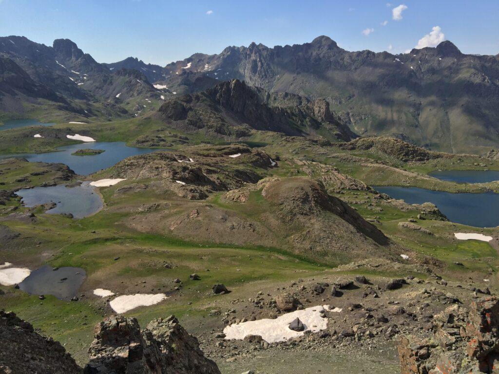 İspir Yedigöller yedi tane buzul gölünden oluşuyor.